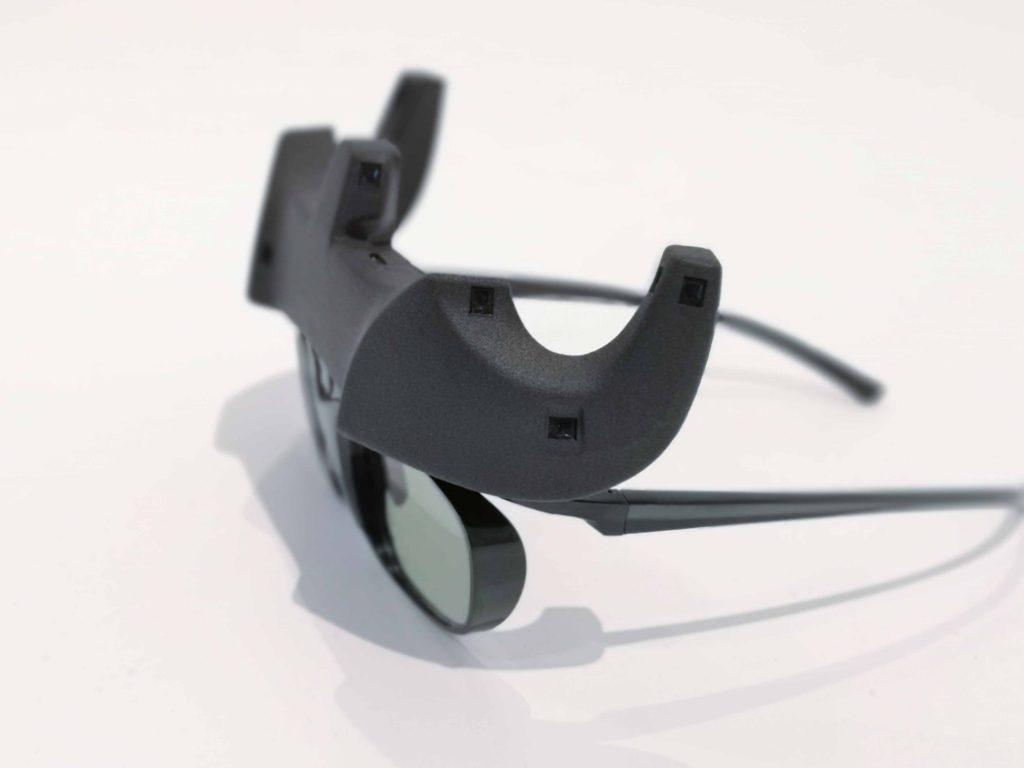 SmartCave VR-Brille von der Seite